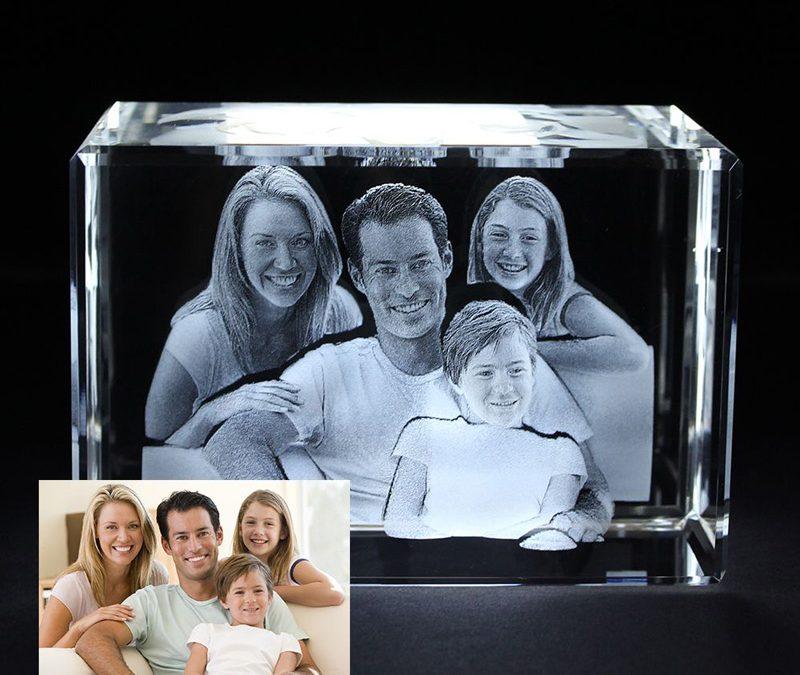 La gravure photo 3D dans un cube en verre