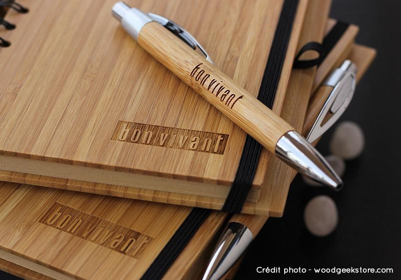 Idée cadeau d'entreprise, le stylo personnalisé